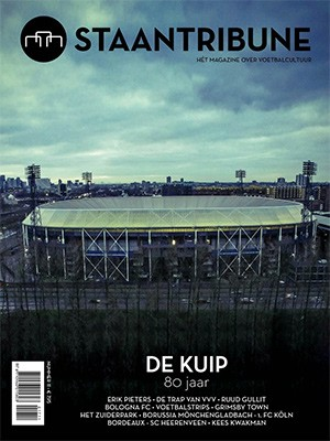 Staantribune 11