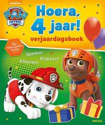 Hoera, 4 jaar! Verjaardagsboek